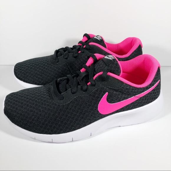 Nike Shoes   New Nike Tanjun Sneakers